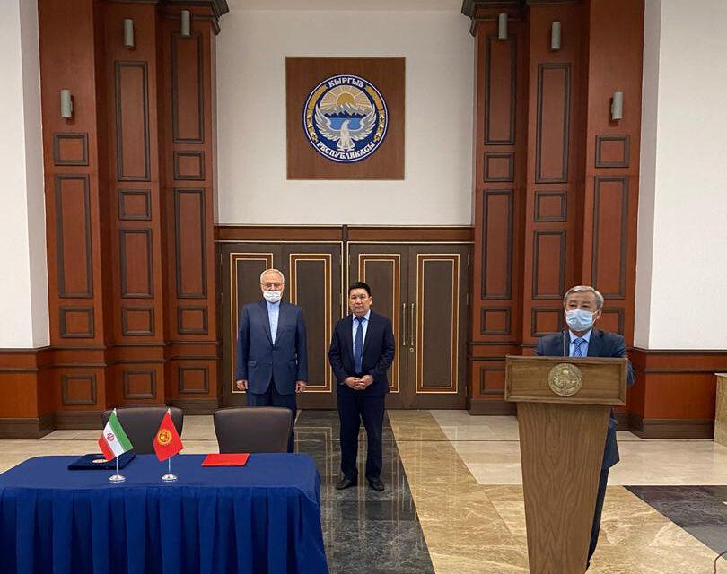 خراسان رضوی محمولهای از اقلام مقابله با کرونا به قرقیزستان هدیه کرد