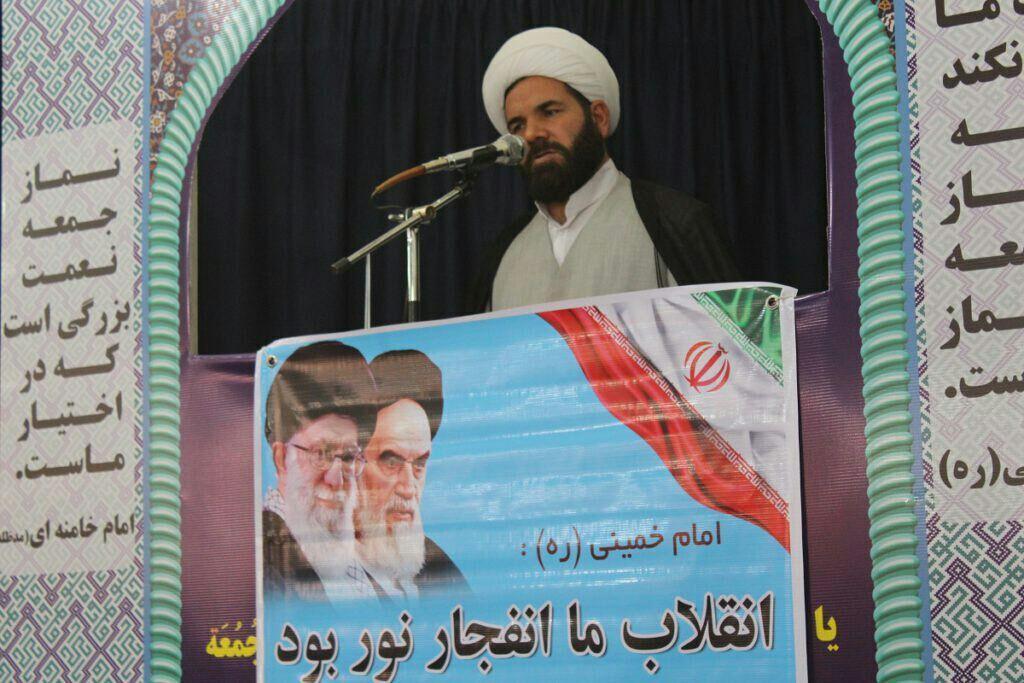 امام جمعه رشتخوار: طرح انحراف افکار عمومی استکبار بار دیگر شکست خورد