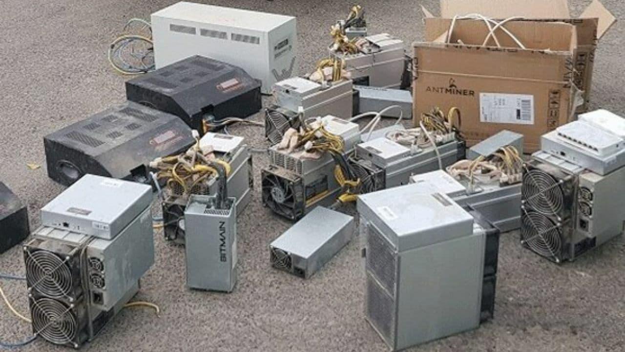 کشف ۳۸ دستگاه استخراج ارز دیجیتال در تربت جام