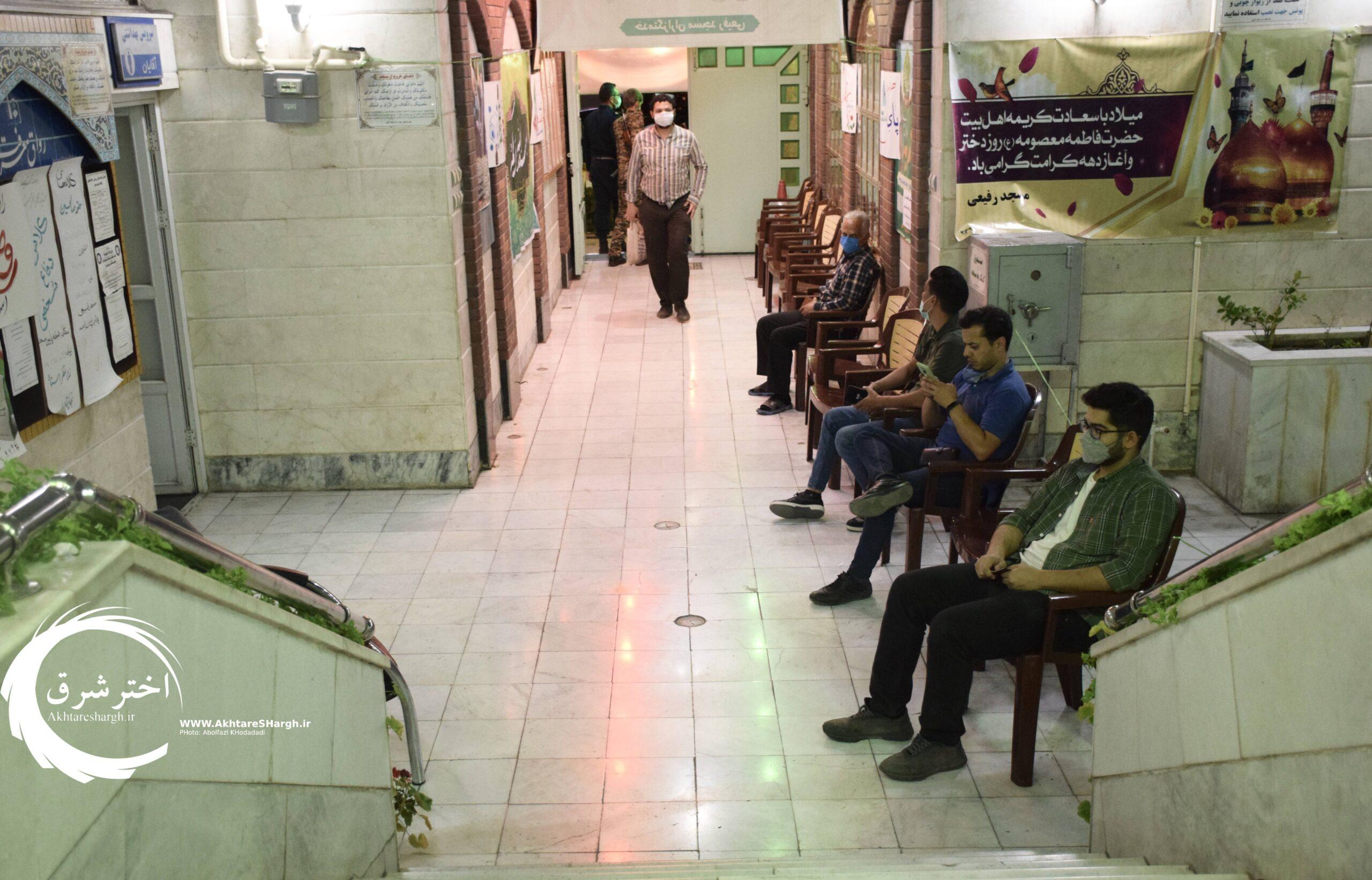 گزارش تصویری از حضور مردم مشهد در پای صندوقهای رأی