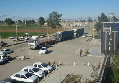 مدیر پایانه مرزی شهرستان سرخس: روزانه ۷۷ دستگاه کامیون در نقطه صفر مرزی بار خود را تحویل ترکمنستان میدهند